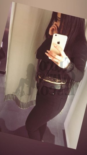 Alimatou escort girl in Huntington Station New York