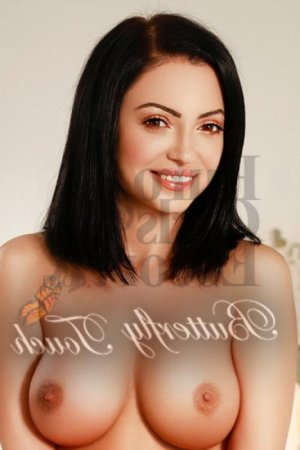 Martialine live escorts