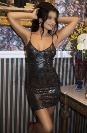 Evelise escort girl in Fuquay-Varina