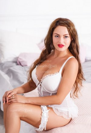 Melahat escort girl in Reading